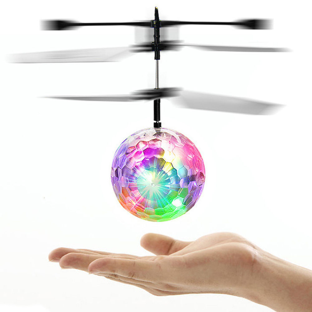 Fly Ball Infrared Induction Aircraft Flash LED Colour Changing Light Toy